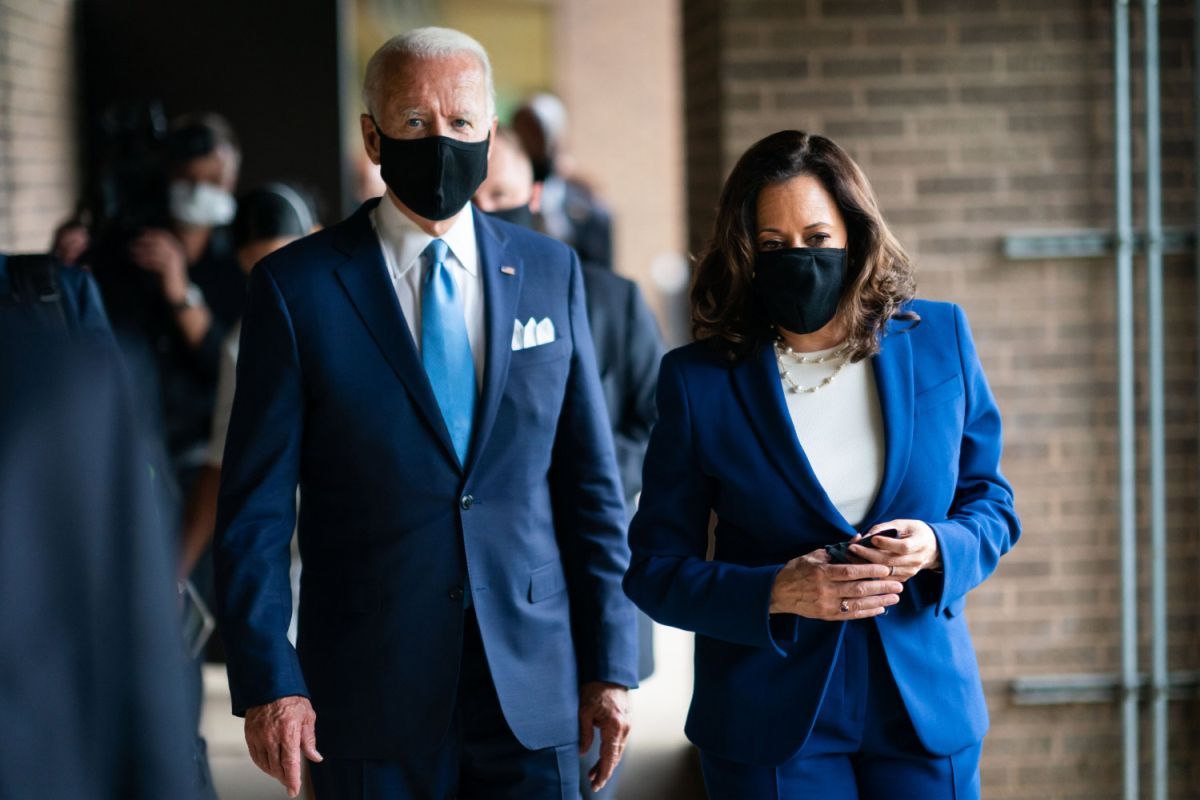 Biden: All Travelers Arriving in US will Need to Quarantine